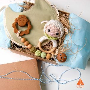 Gift Box , baby gift, baby accessoires, sheep, wooden teether