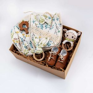 newborn gift box, baby accessoires, wooden toys, baby bibs, teether, pacifier chain, shoulder towel, gift box, baby headband, baby shoes