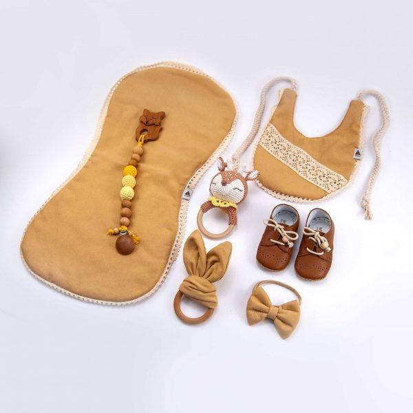 Sarı, Bebek hediye seti, bebek kıyafetleri, bebek hediyesi, yeni doğan, ahşap diş kaşıyıcı, bebek önlükleri, çıngırak, emzik zinciri, ahşap diş kaşıyıcı, ahşap oyuncak, sevimli