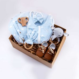 newborn gift box, baby accessories, wooden toys, baby bibs, teether, pacifier chain, shoulder towel, gift box, baby headband, baby shoes