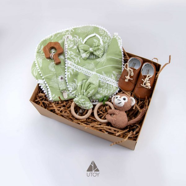 Green, Baby gift set, baby clothes, baby gift, new born, wooden teether, baby bibs, rattle, pacifier dummy, wooden toy