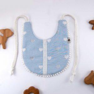 mavi kalpli bebek önlüğü